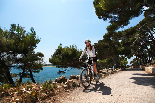 croatia-tour-cycling-seaside