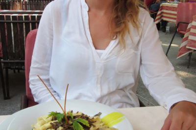 Mouthwatering pasta with black truffles